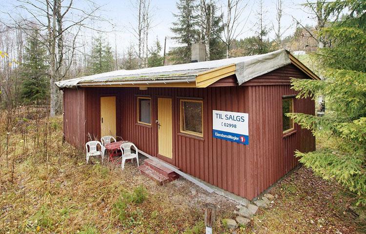 Hytte uten strøm og vann til salgs