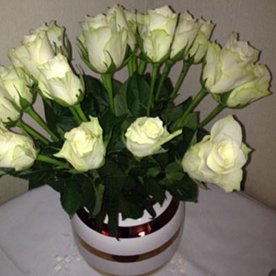 Svært Ser du hvilke roser som er ekte? - Bonansa EV-15