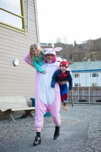 PAPPA OGSÅ: Petter Krantz understreker at han i tillegg til å jobbe døgnet rundt også tar seg av ungene. FOTO: Privat
