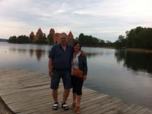 FLYTTER: Arild Nordnes og Inger Johanne Rene. FOTO: Dag Sverre Randen, Diakrit