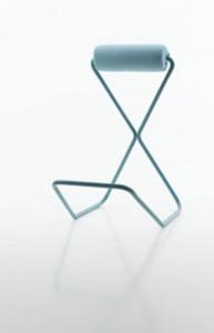 Vilde Øritsland Houge ville at hennes stol, formet som en spark med bøy, skulle bidra til høyere selvtillit.