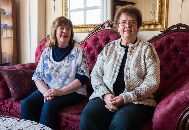 I DAG: Turid og Kari er klare for mindre leiligheter - helt uten vemod. FOTO: Linn Gjestad