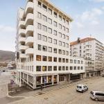 SOLGT: Strandgaten 209, et bygg med tre seksjoner, er solgt til en arabisk eiendomsaktør for i overkant av 30 millioner kroner. FOTO: DNB Næringseiendom