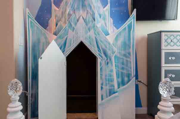 SLOTT: Her er det bygget et rom i rommet. FOTO: Harry Lim