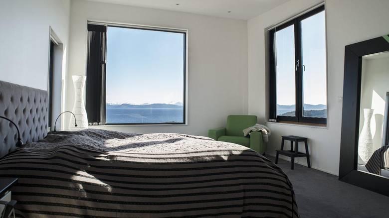 SOM EN DRØM: Denne utsikten våkner ekteparet opp til. FOTO: Elias Dahlen