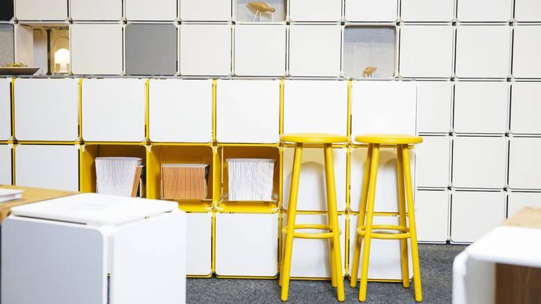 UTEN VERKTØY: Designerne Lars Urheim og Eirik Helgesen lanserte sitt modulære hyllesystem OPE i Stavanger for omtrent et år siden. FOTO: Emma Mattson