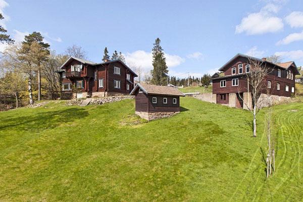 """LANDSLIG: Det er ikke langt fra byen til Holmenkollen, men på Oslos tak kan man nesten få inntrykk av at man er med i historien om """"Heidi"""" i Sveits. FOTO: Eie"""