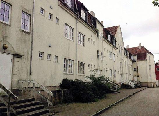 """""""KOMMUNEGÅRDEN"""": Det blir de tre bygårdene også kalt hos de lokale i Haugesund. Byggene er riktignok ikke til salgs til hvem som helst. Kommunen ønsker helst ikke boligspekulanter som skal drive med utleie. I stedet ønsker man et konsept som er med på å utvikle Haugesund. FOTO: Haugesund kommune"""