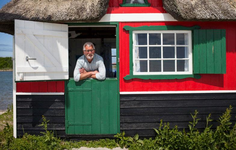 MEST FOTOGRAFERT: Badehuset med stråtaket til Kristian Kristiansen er trolig Ærøs mest fotograferte, og ligger på Eriks Hale ved Marstal. FOTO: Alf Ole Hansen