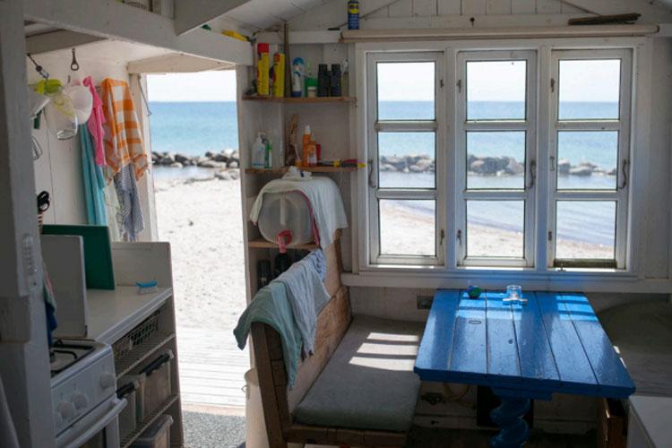 ERIKS HALE: Utsikten fra badehusene på Eriks Hale er det ingenting å si på. FOTO: Alf Ole Hansen
