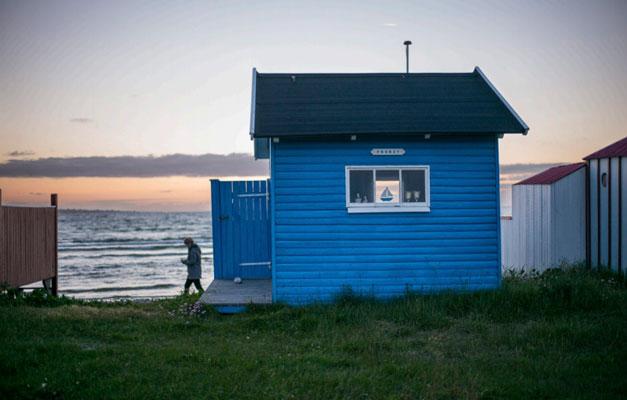 STRANDHUS: Strendene brukes både av lokale og turister. FOTO: Alf Ole Hansen