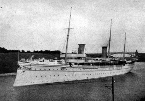 KEISERBÅT: Det var i denne båten keiser Wilhelm kom til Norge. Dette bildet er fra 1902. FOTO: Wikipedia
