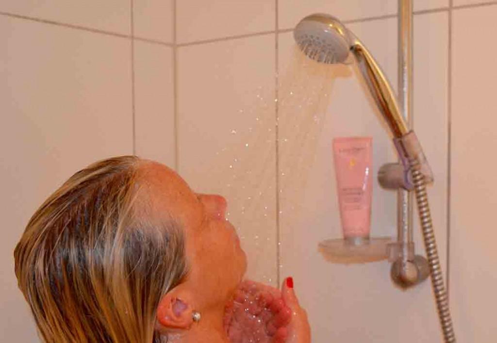 menn og kvinner sexstillinger i dusjen